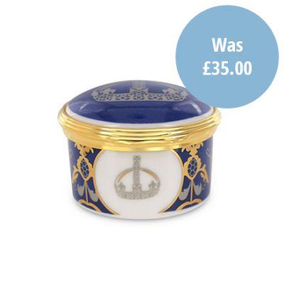 Royal Victoria bone china hinged trinket box