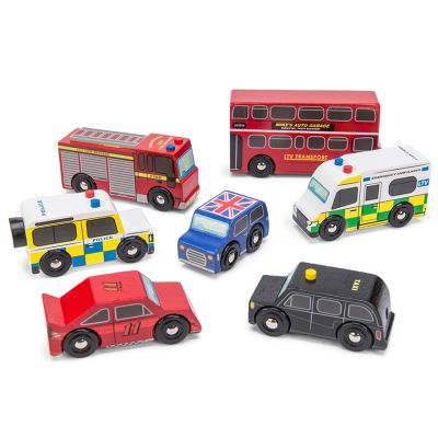Traditional children's London set of 7 wooden vehicles