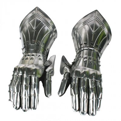 Medieval armour - gauntlets