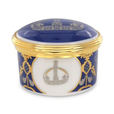 Royal Victoria bone china hinged trinket box