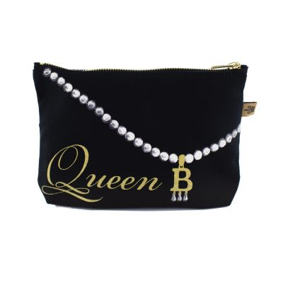 Anne Boleyn B initial make up bag