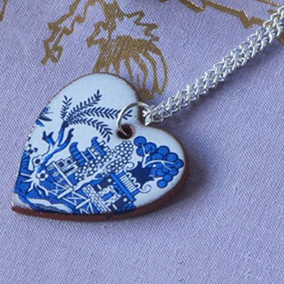 Pagoda willow pattern ceramic pendant