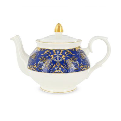 Royal Victoria bone china teapot with teacups