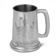 Tower of London engraved half pint English pewter tankard