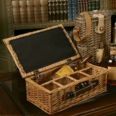 Whisky hamper with glasses