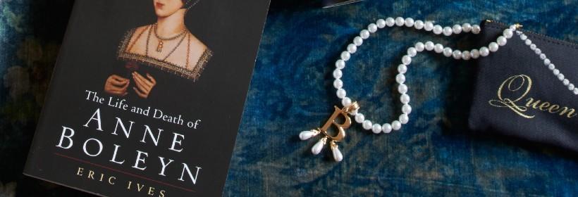 Historic replica jewellery - Anne Boleyn initial necklace