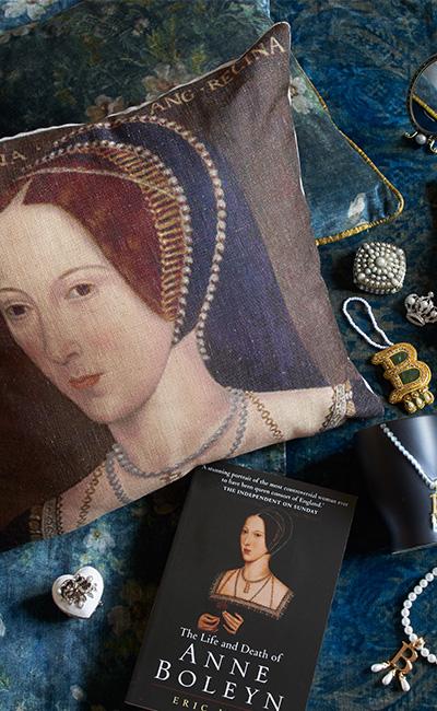 Anne Boleyn book & gift collection